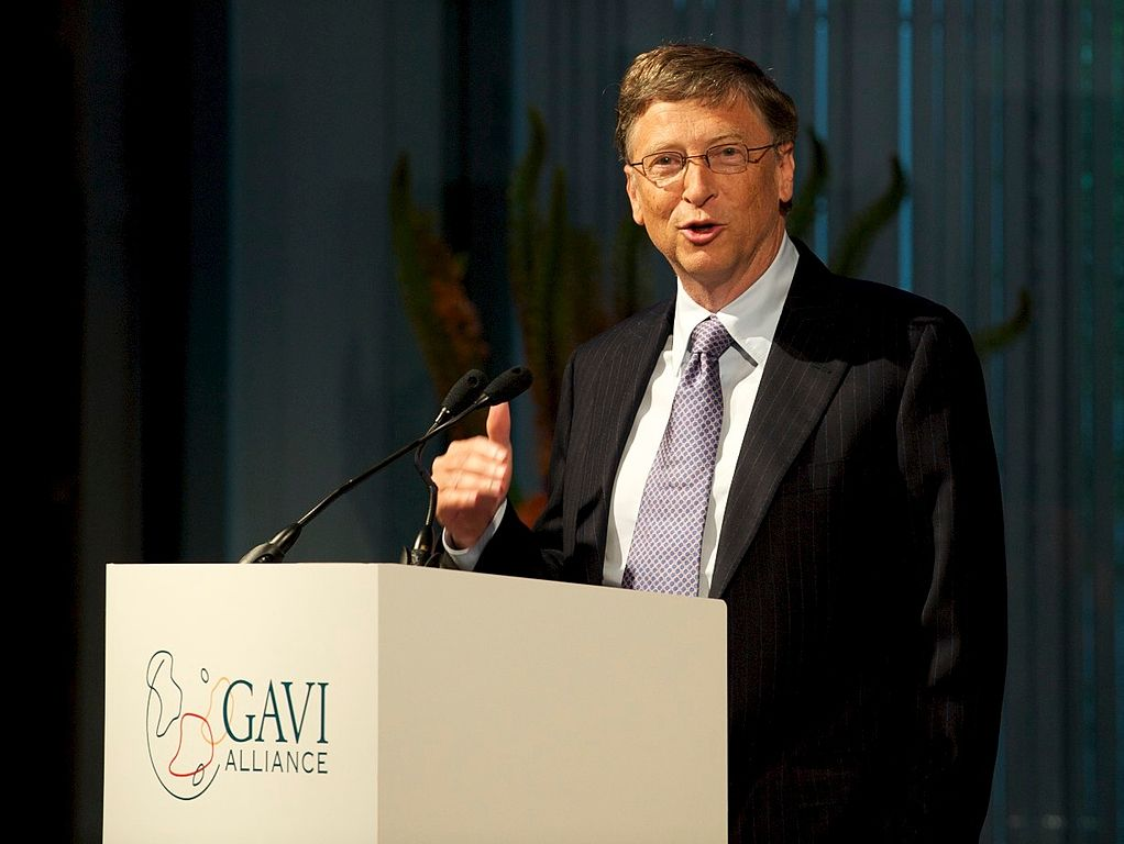 Bill_Gates,_speaking_at_the_UK-hosted_GAVI_immunisation_Alliance_pledging_event